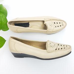 Jamie Beige Wedge Woven Toe Loafer Sz 7.5